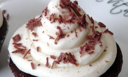 Chocolate cupcake recipe laura vitale