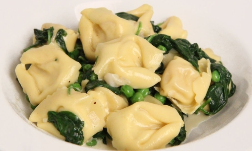 Tortellini with Spinach and Peas