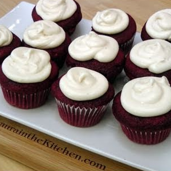 Red Velvet Cupcakes Recipe Laura In The Kitchen