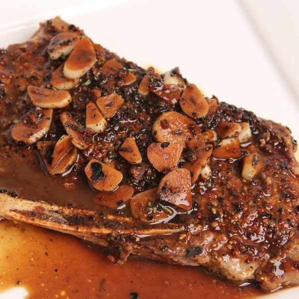 Seared Steak with Garlic Balsamic Glaze