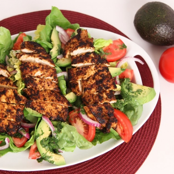 Spicy Grilled Chicken and Avocado Salad