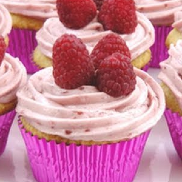 Vanilla Cupcakes with Raspberry Butter Cream Frosting