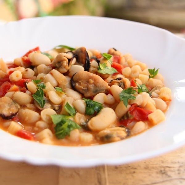 Pasta e Fagioli with Mussels