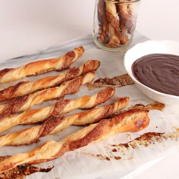 Baked Churro Twist with Chocolate Sauce
