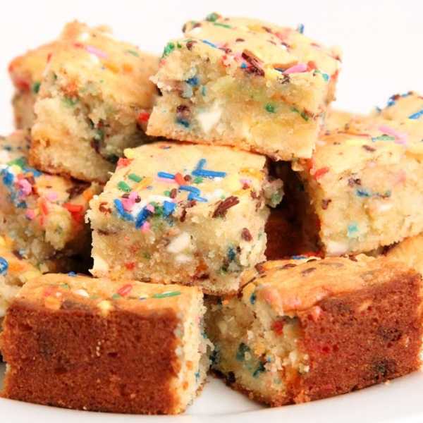 Confetti Cake Blondies